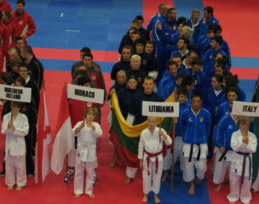 Lietuvos Shotokan karatė komanda atidarymo ceremonijoje